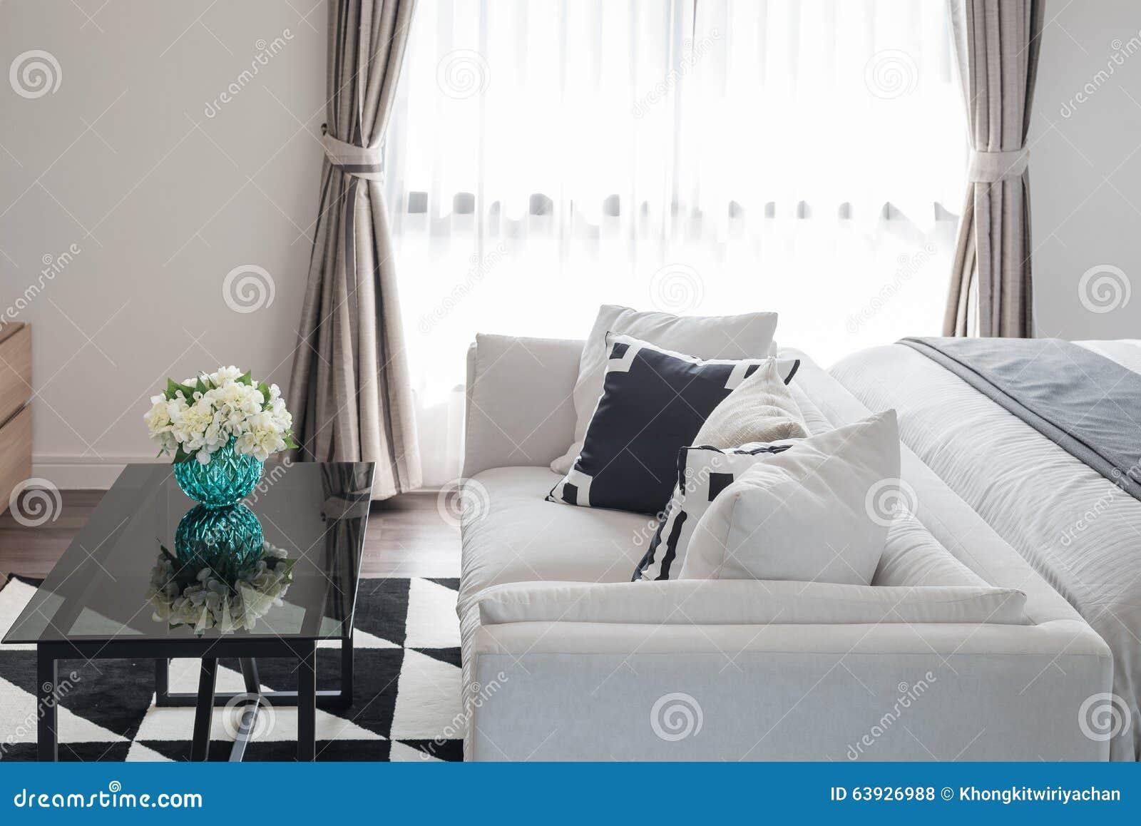 Style moderne noir et blanc de chambre à coucher photo stock ...