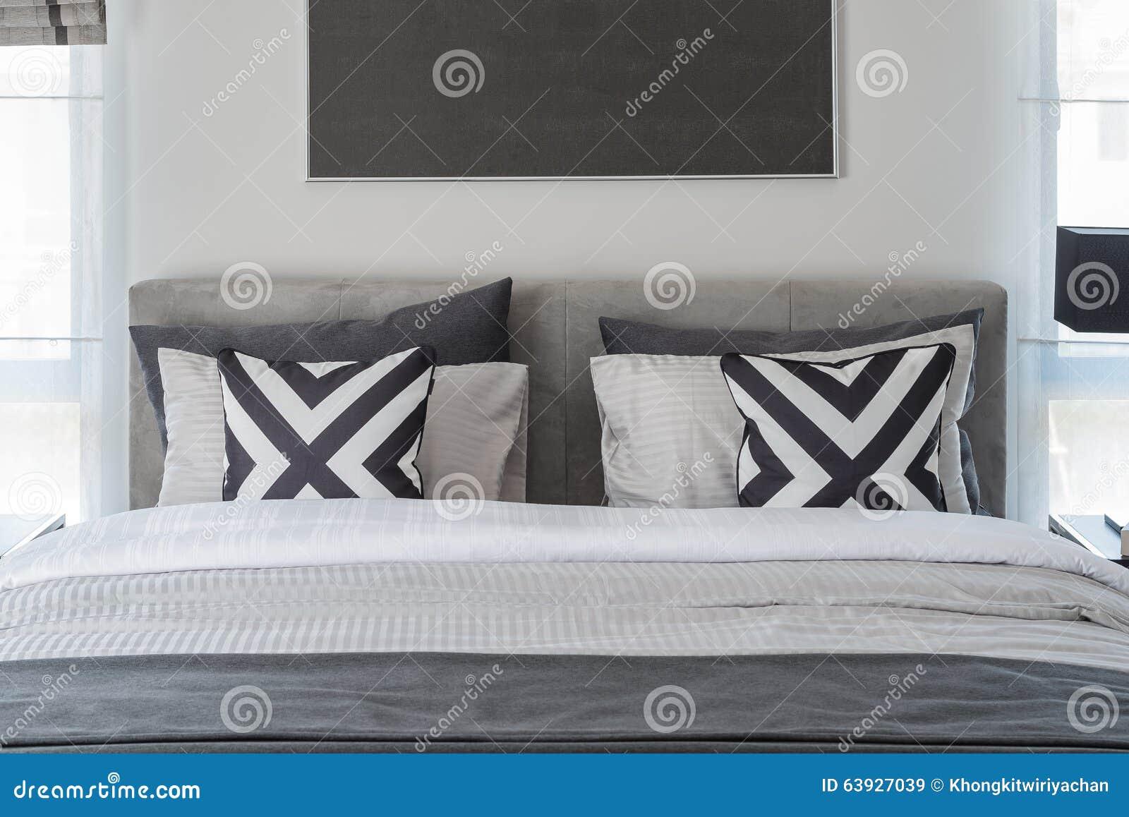 Style moderne noir et blanc de chambre coucher avec le - Chambre moderne noir et blanc ...