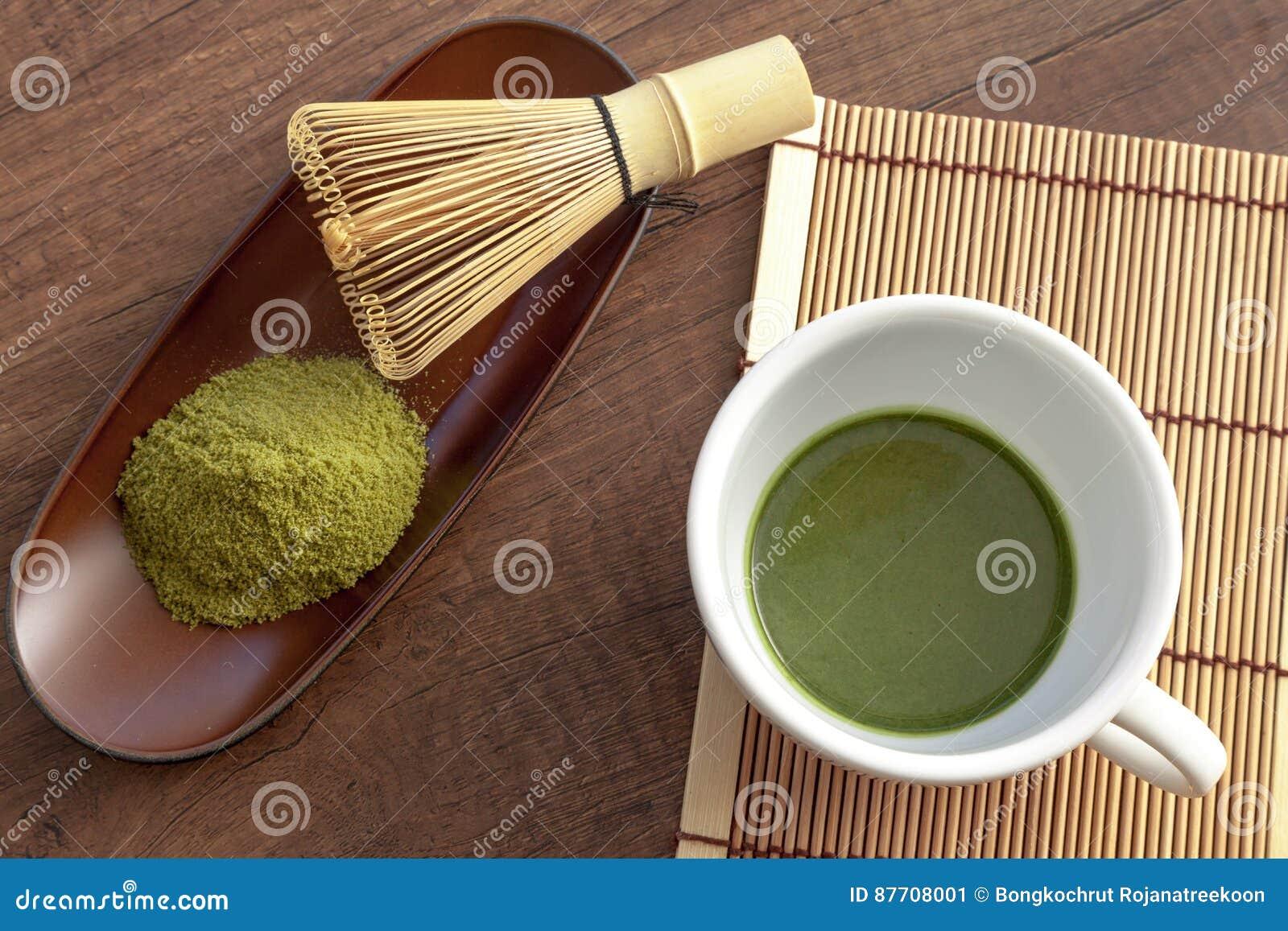 Style original et japonais de Matcha avec une certaine poudre de thé vert et t
