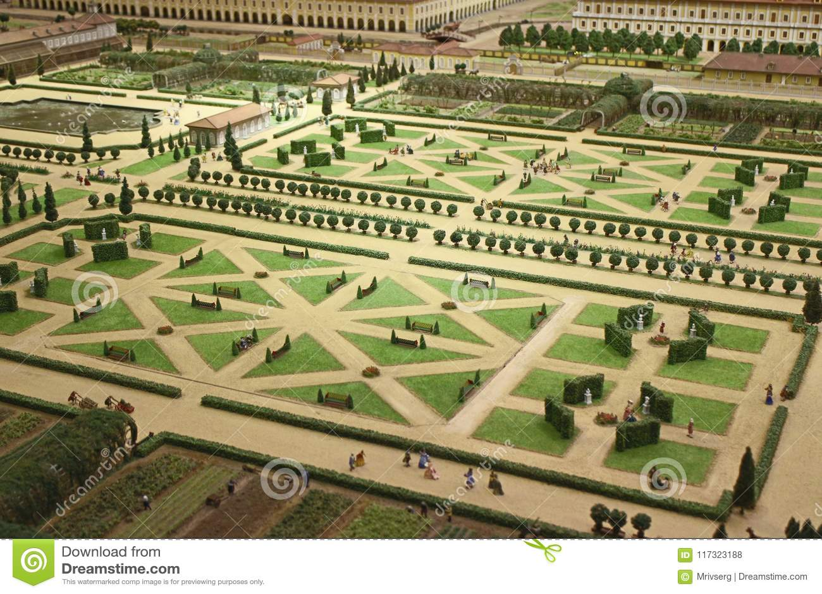 Style Regulier Francais De Symetrie De Jardin Photo Stock Editorial