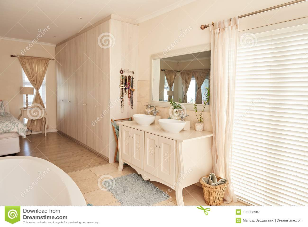 Stylish Bathroom And Bedroom Interior In A Modern Suburban Home Stock Image Image Of Bathtub Domestic 105368987