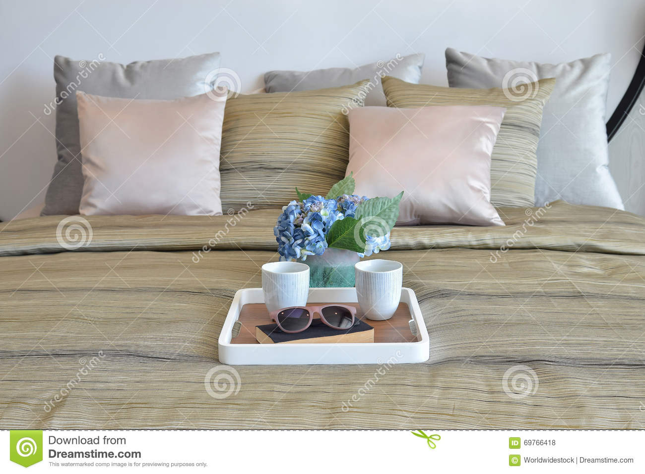 Stylish Bedroom Design With Decorative Tray And Pillows On