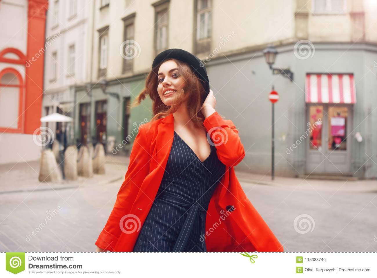 63e0eb846c64 Stylish Hipster Girl Posing In Front Of The Old Street In City ...