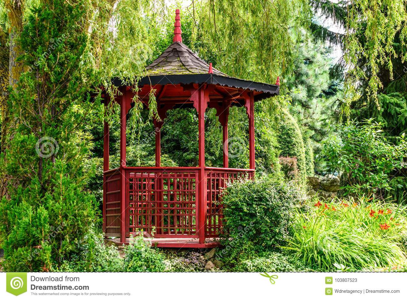 Red Pagoda In The Garden Stock Image Image Of Nature 103807523