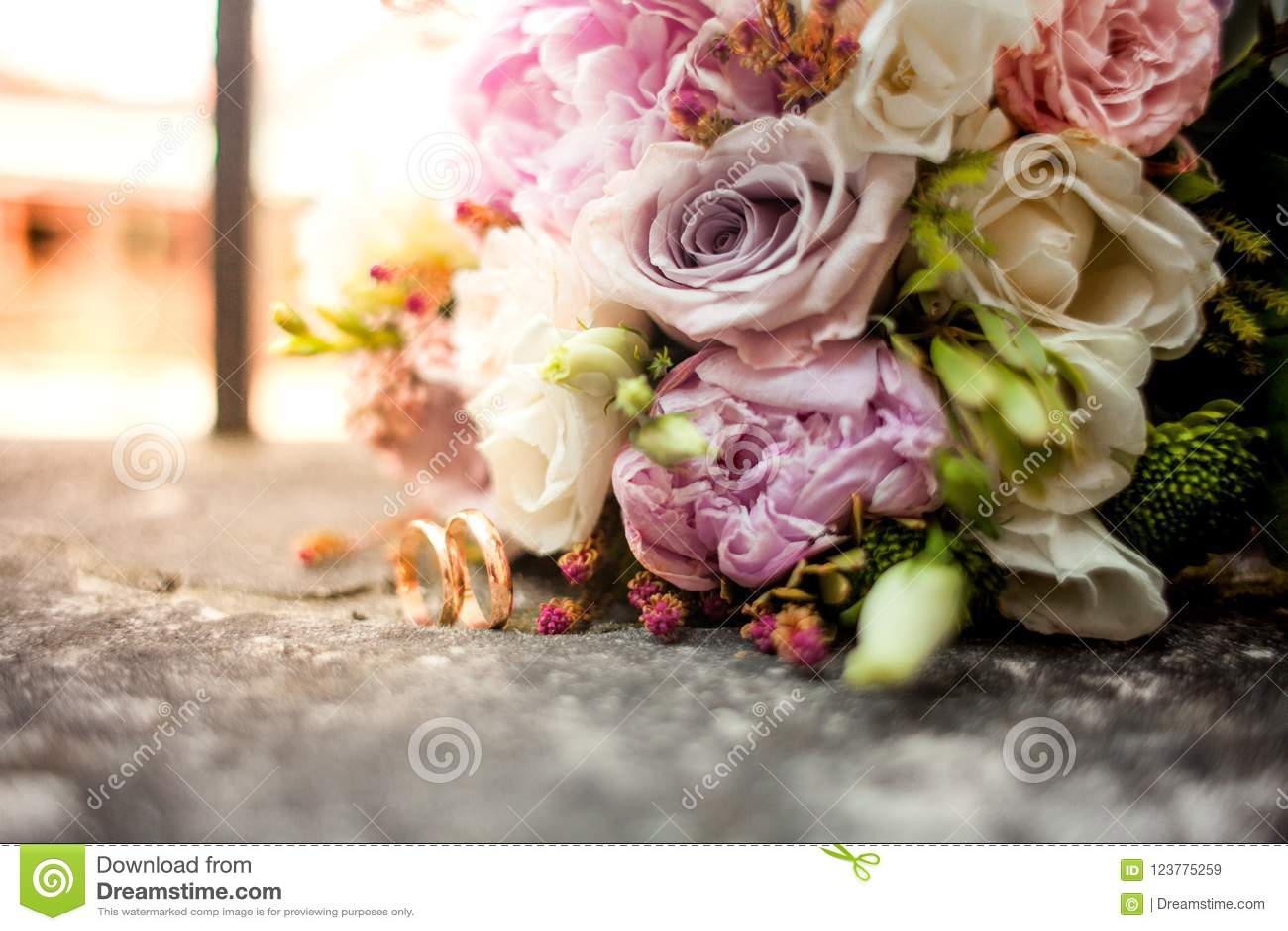 Stylish Wedding Bouquet Flowers From Bush Roses, Eustoma And Gold ...