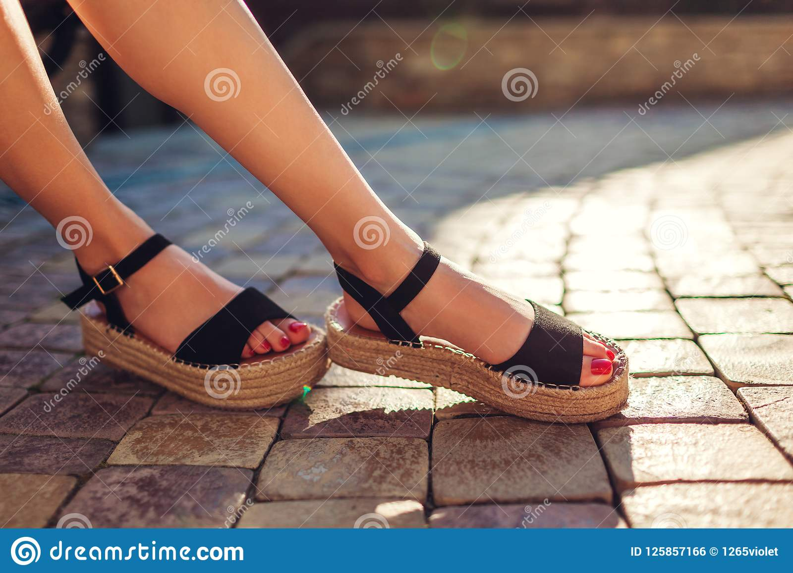 Summer sandals for women fashionable and beautiful: models, photos 35