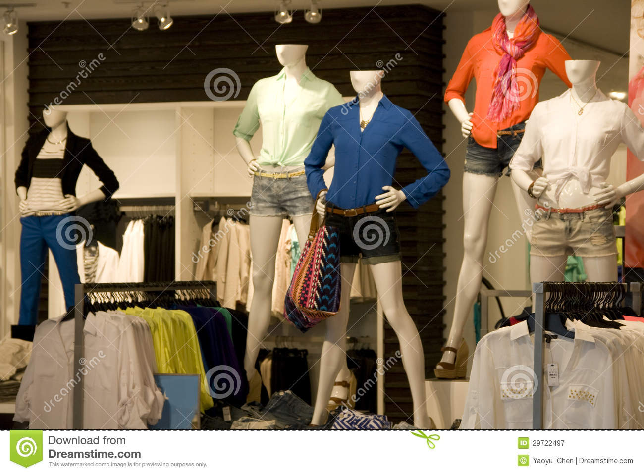 Discount Clothing Store Developers Small Business Opportunity