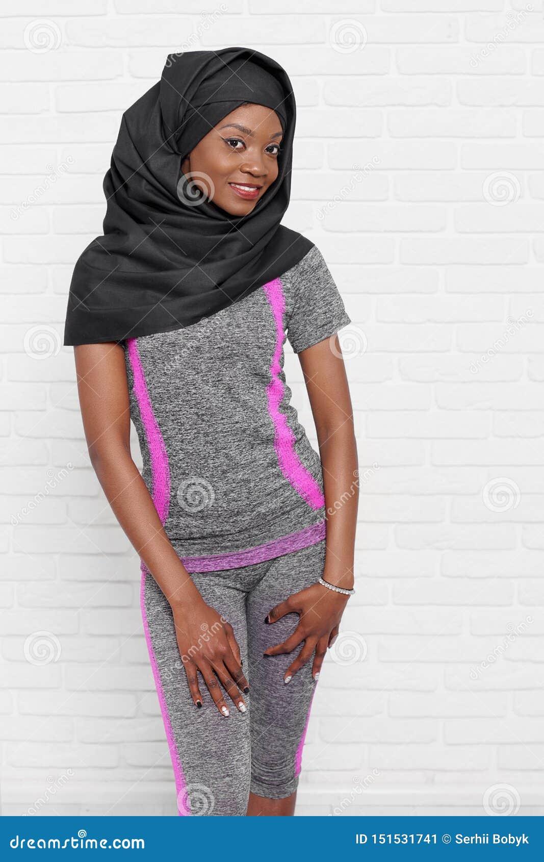Hijab Model Poses