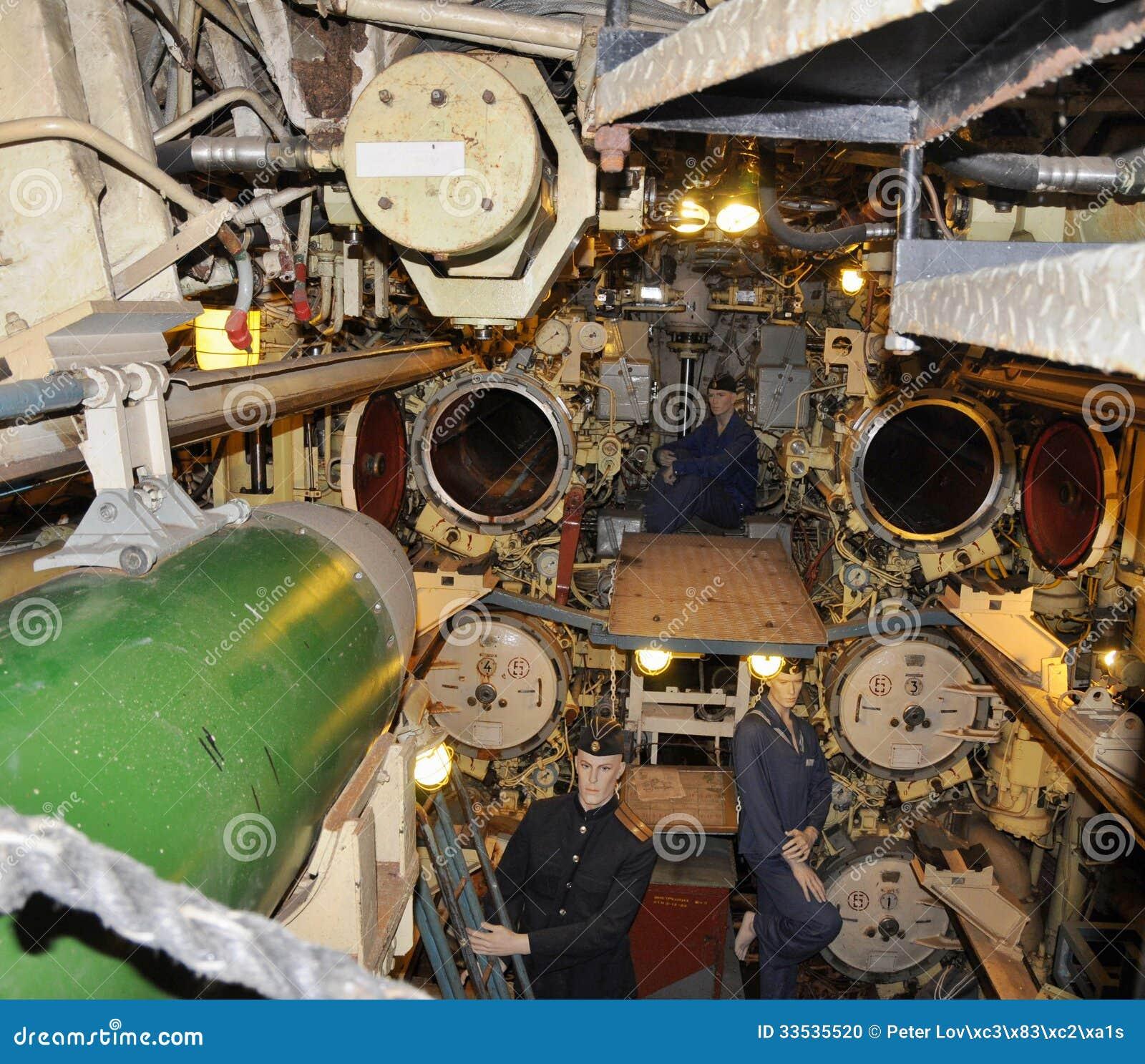 Submarino u 434 sitio del torpedo imagen editorial for Interior submarino