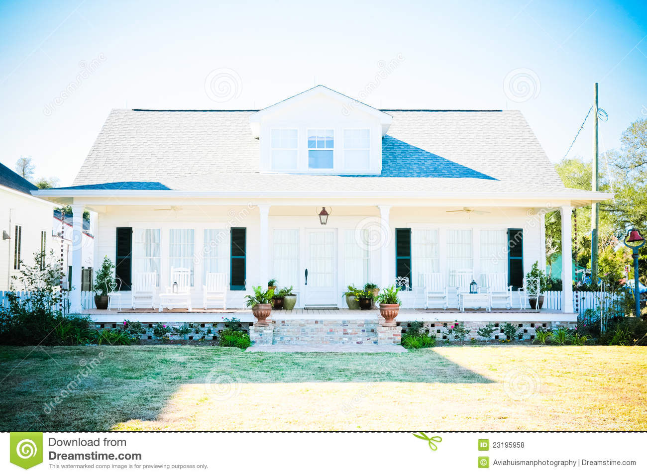 Suburban american home royalty free stock photos image for Americanhome com