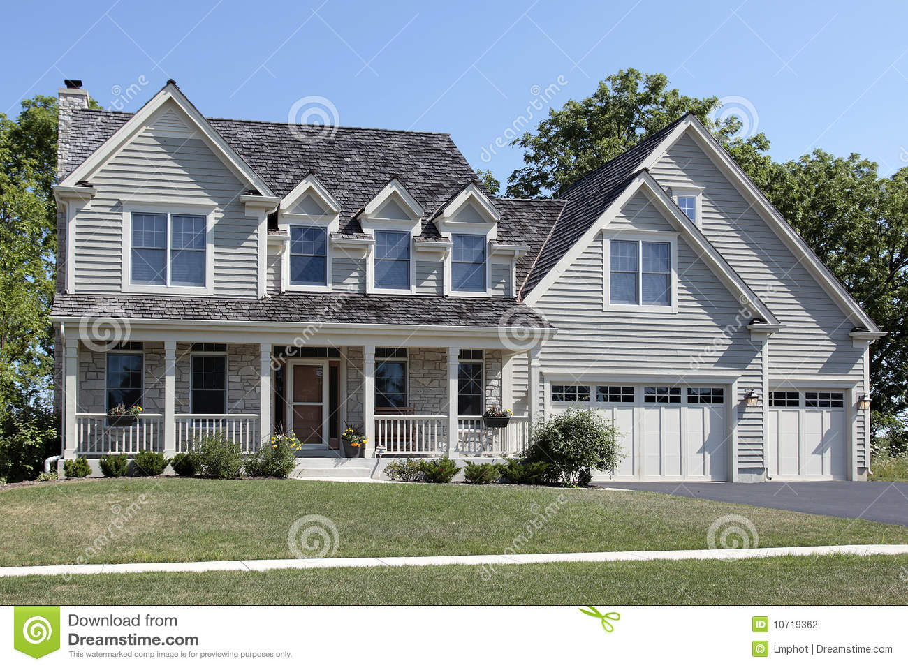 Suburban Home With Front Porch Stock Photography Image