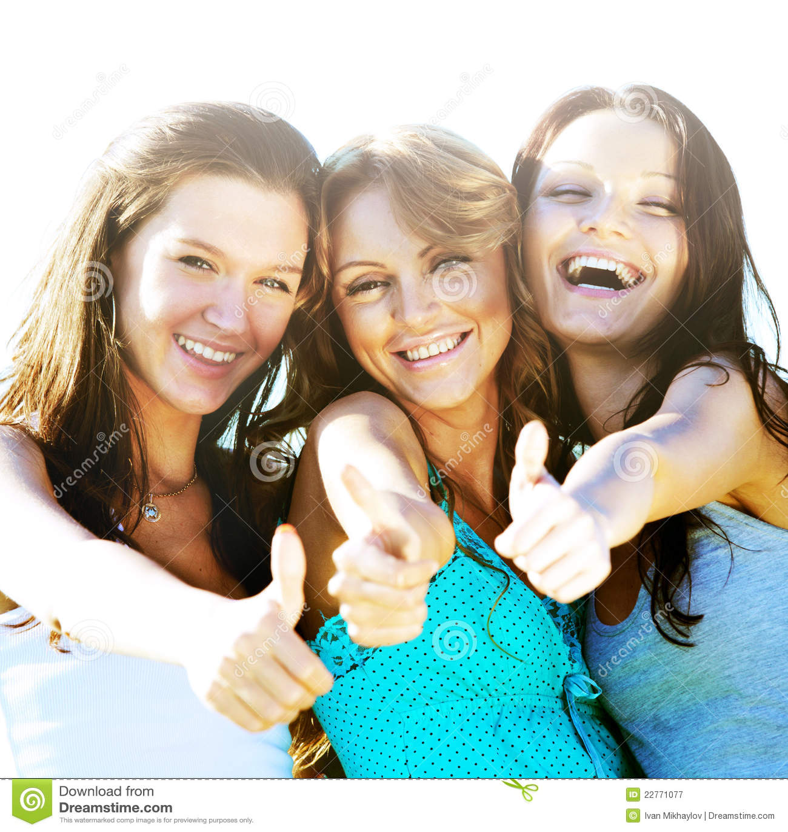 Комментарий на фото девушке от подруги