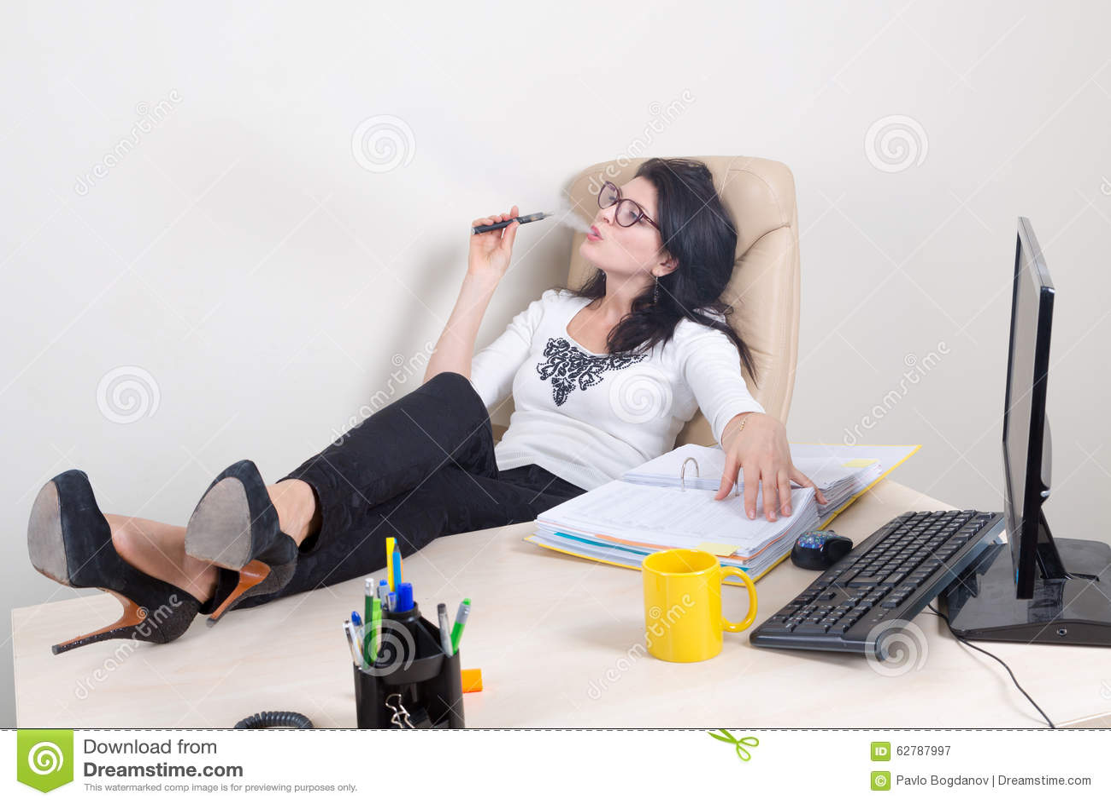 how to become a successful executive secretary