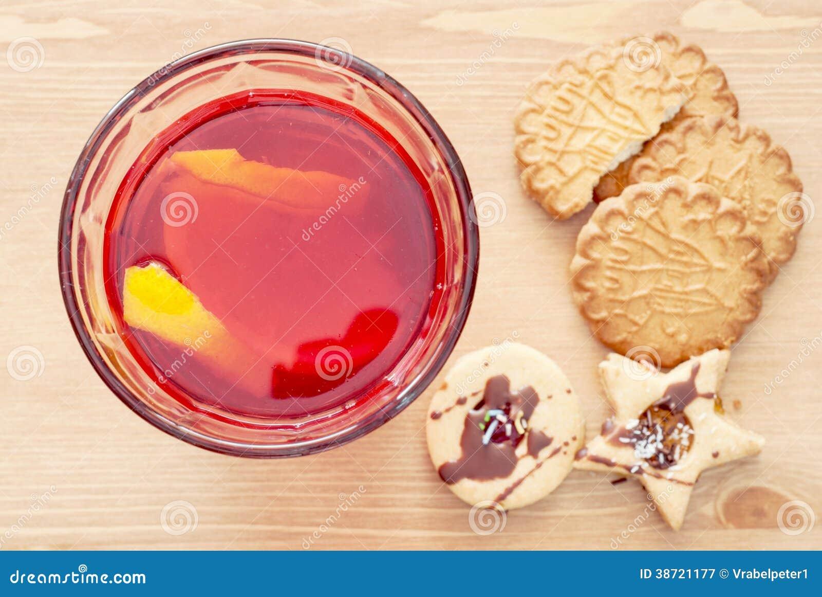 Succo con il limone ed i biscotti