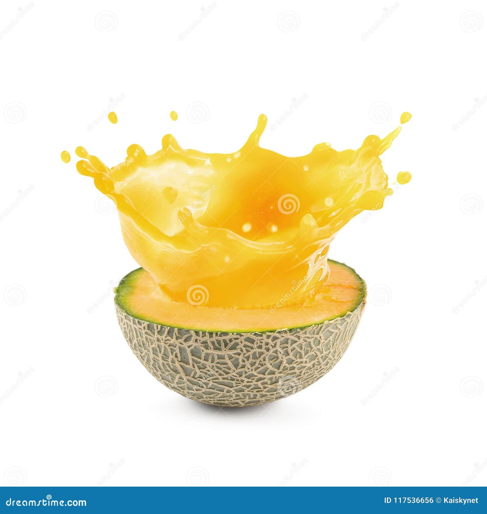 Succo del melone o succo del cantalupo isolato su un fondo bianco