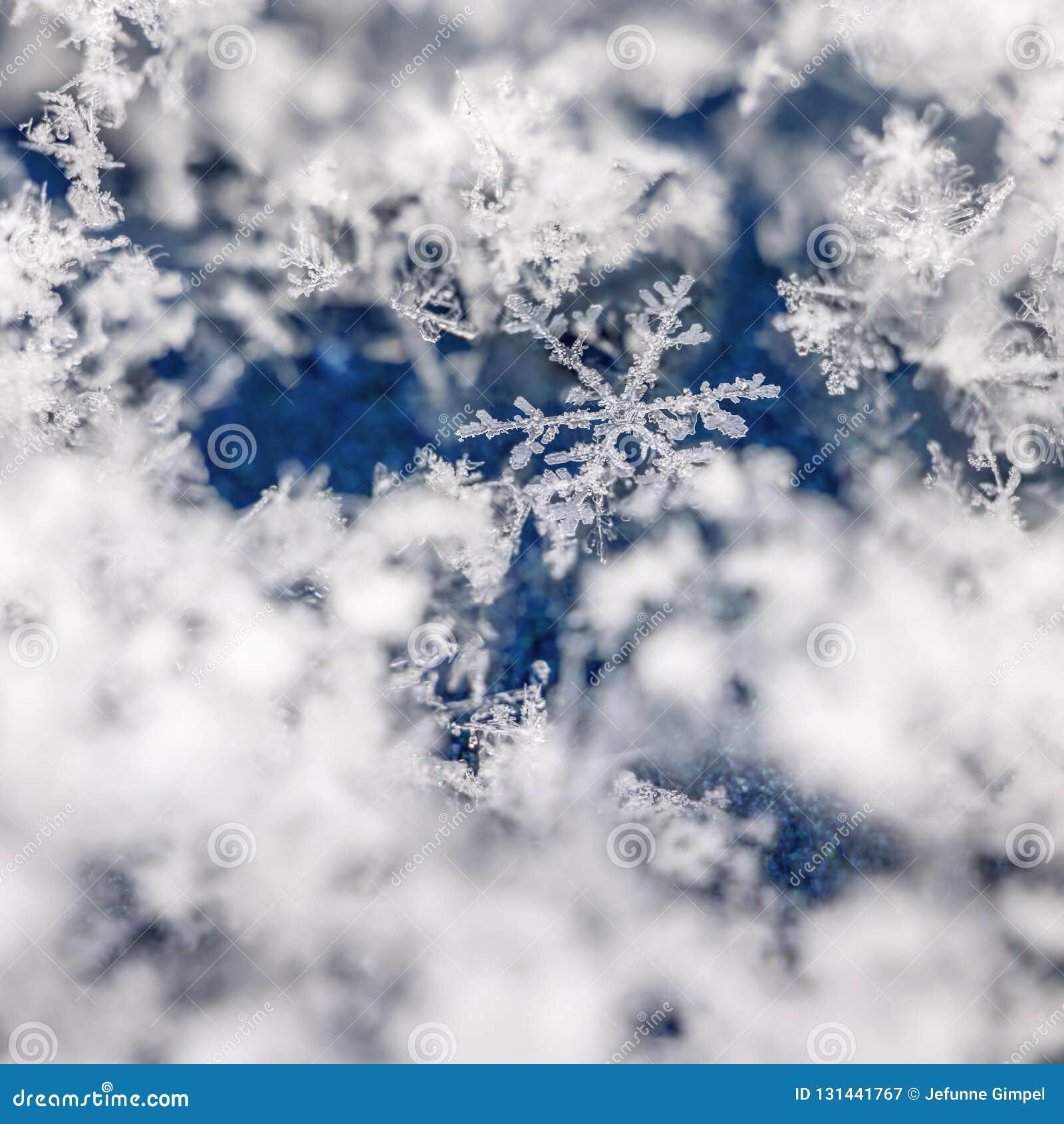 Suche nach der Schneeflocke im Stapel