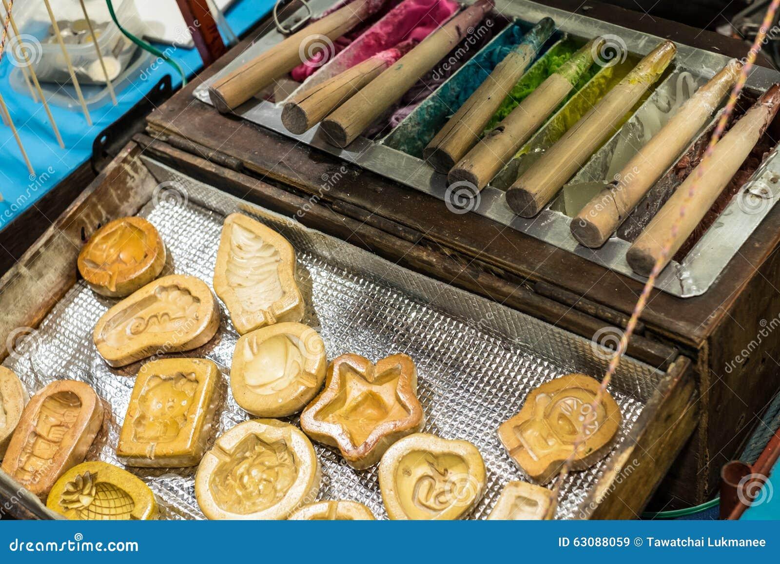 Download Sucrerie Traditionnelle Pour Des Enfants Image stock - Image du couleur, jouet: 63088059