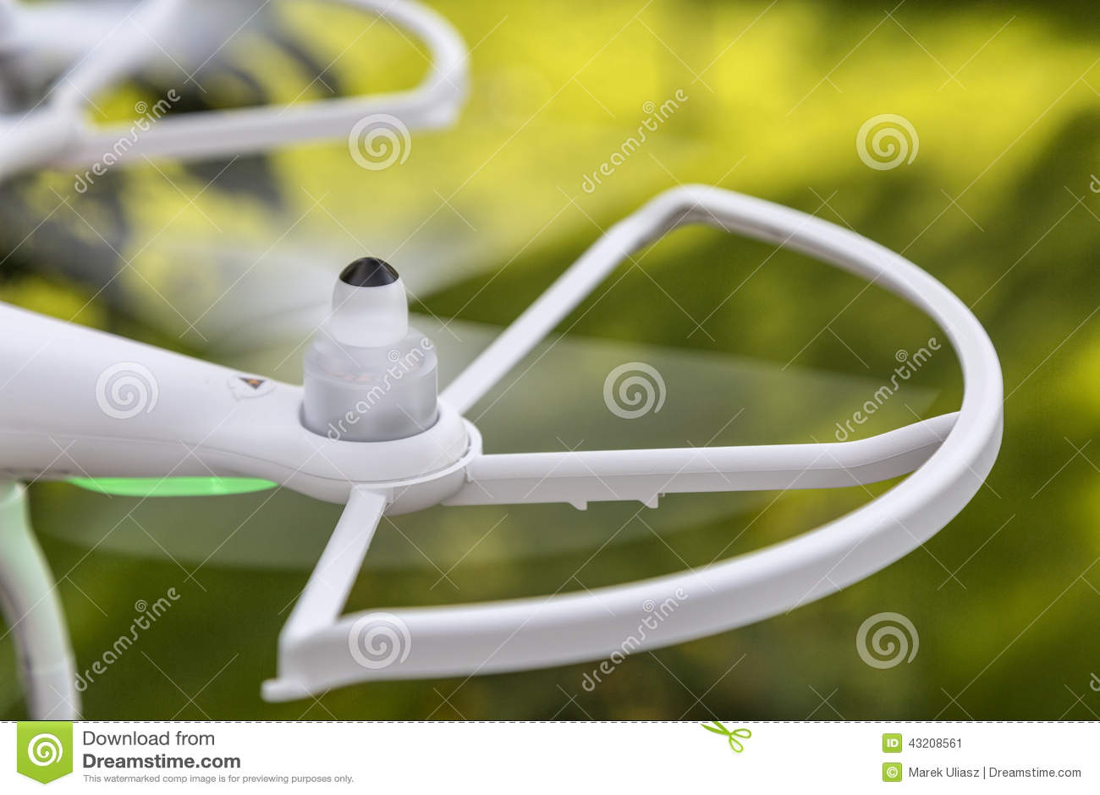 Download Suddiga surrpropellrar fotografering för bildbyråer. Bild av flyg - 43208561