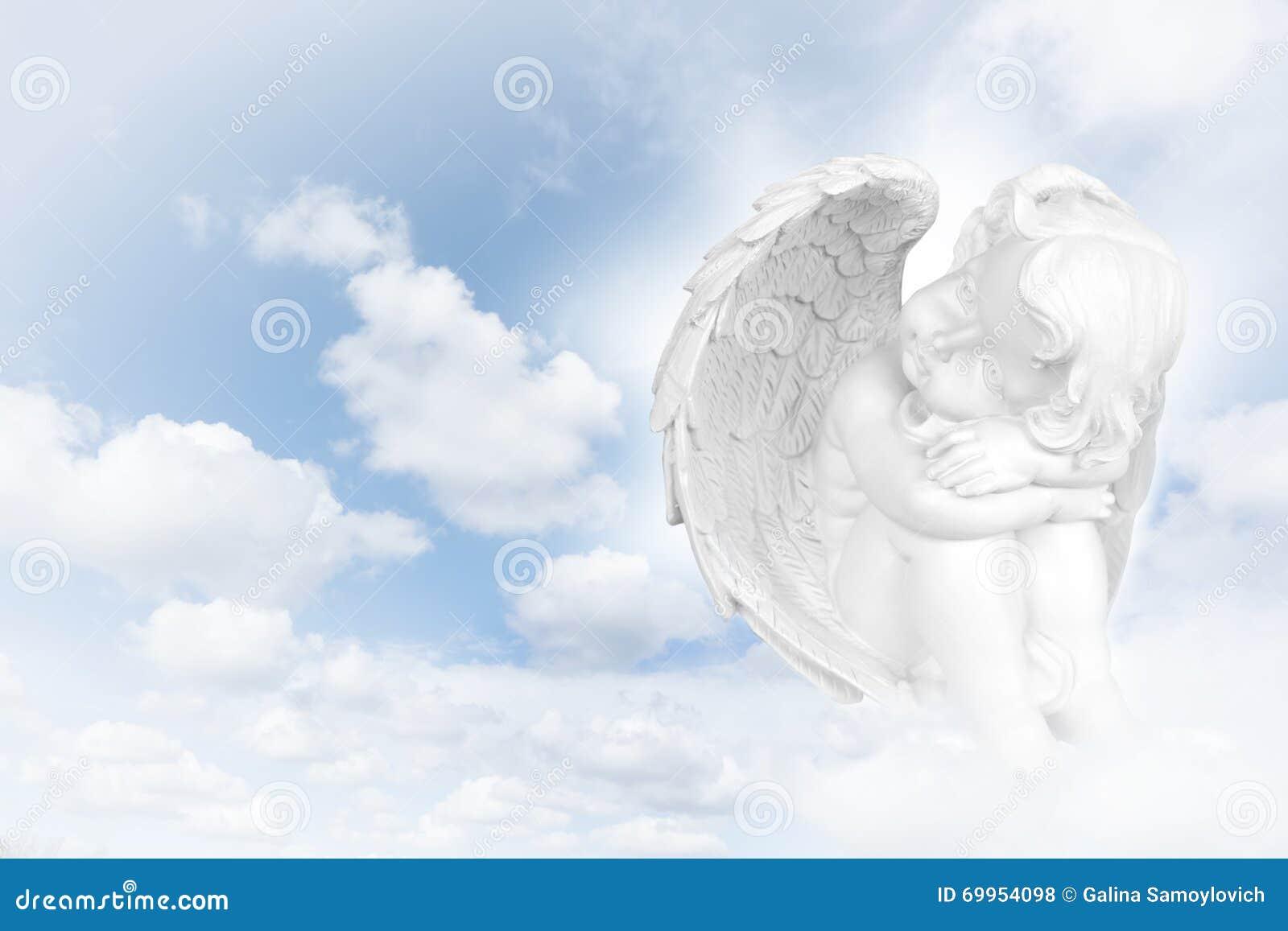 Sueños De Los ángeles Antes Del Cielo Foto De Archivo Imagen De