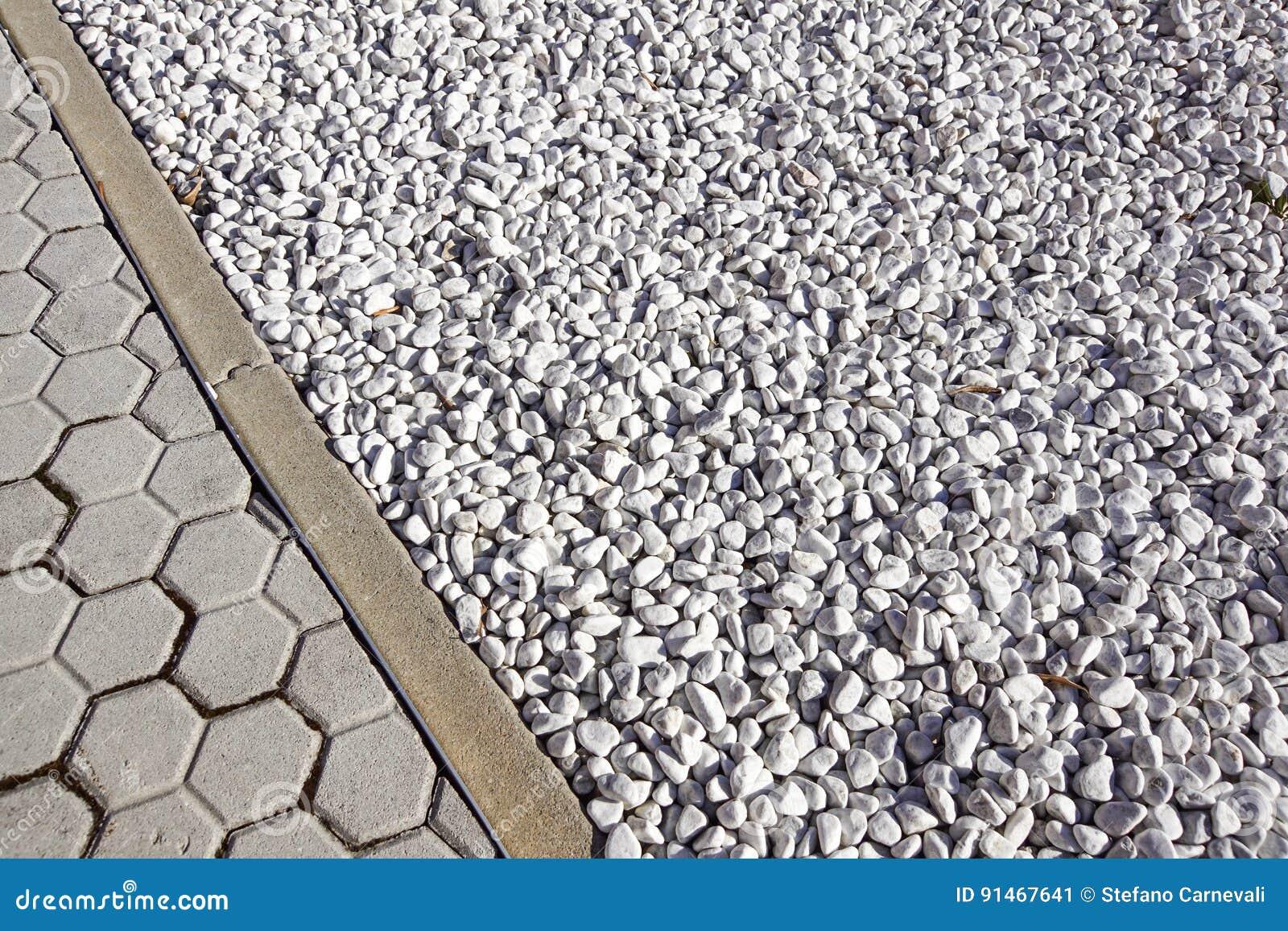 Suele El Diseño Con Las Tejas De La Terraza Y Materiales De
