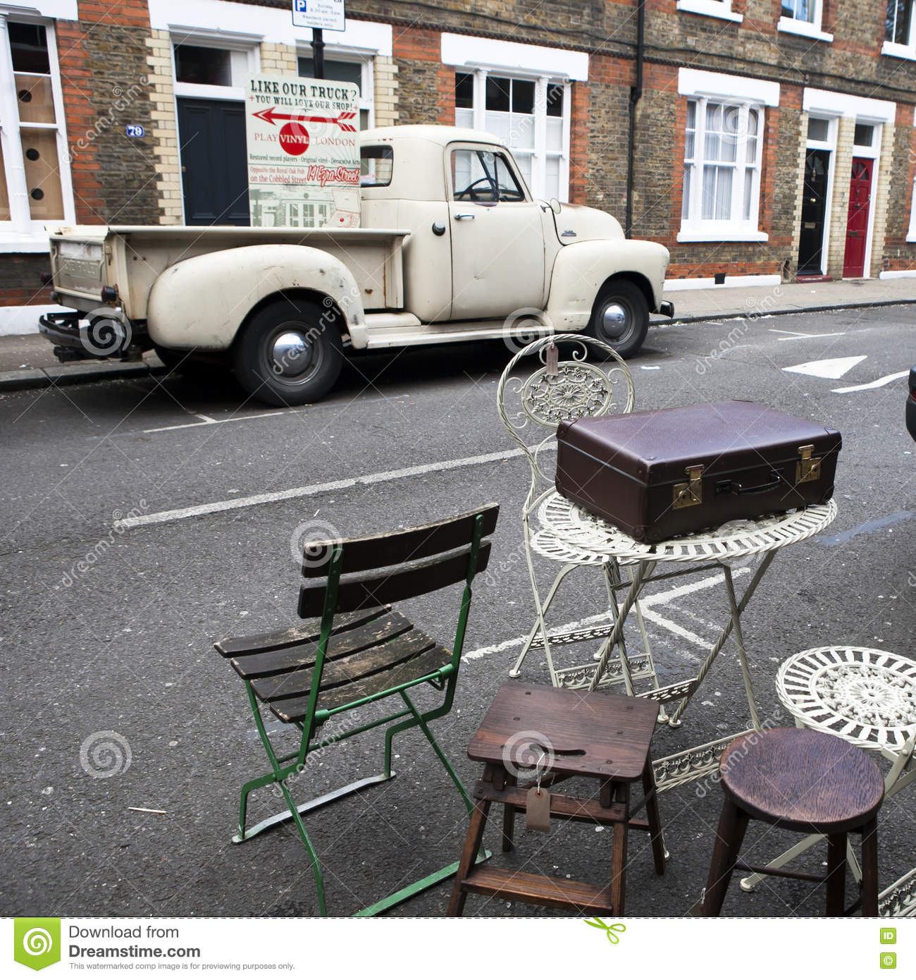 LONDON - AUG 16: Suitcases near vintage shop at Portobello Market, in  Notting Hill district, largest antiques market in UK, famous tourist  attractions, ...