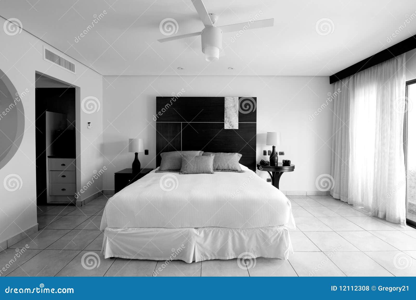 Mobilier pour chambre à coucher en noir et blanc photo stock ...