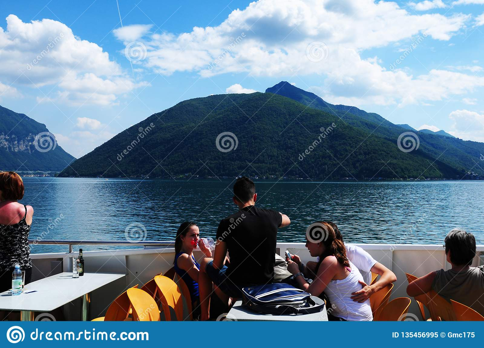 Suiza: Travesía en el lago Lugano en Tesino
