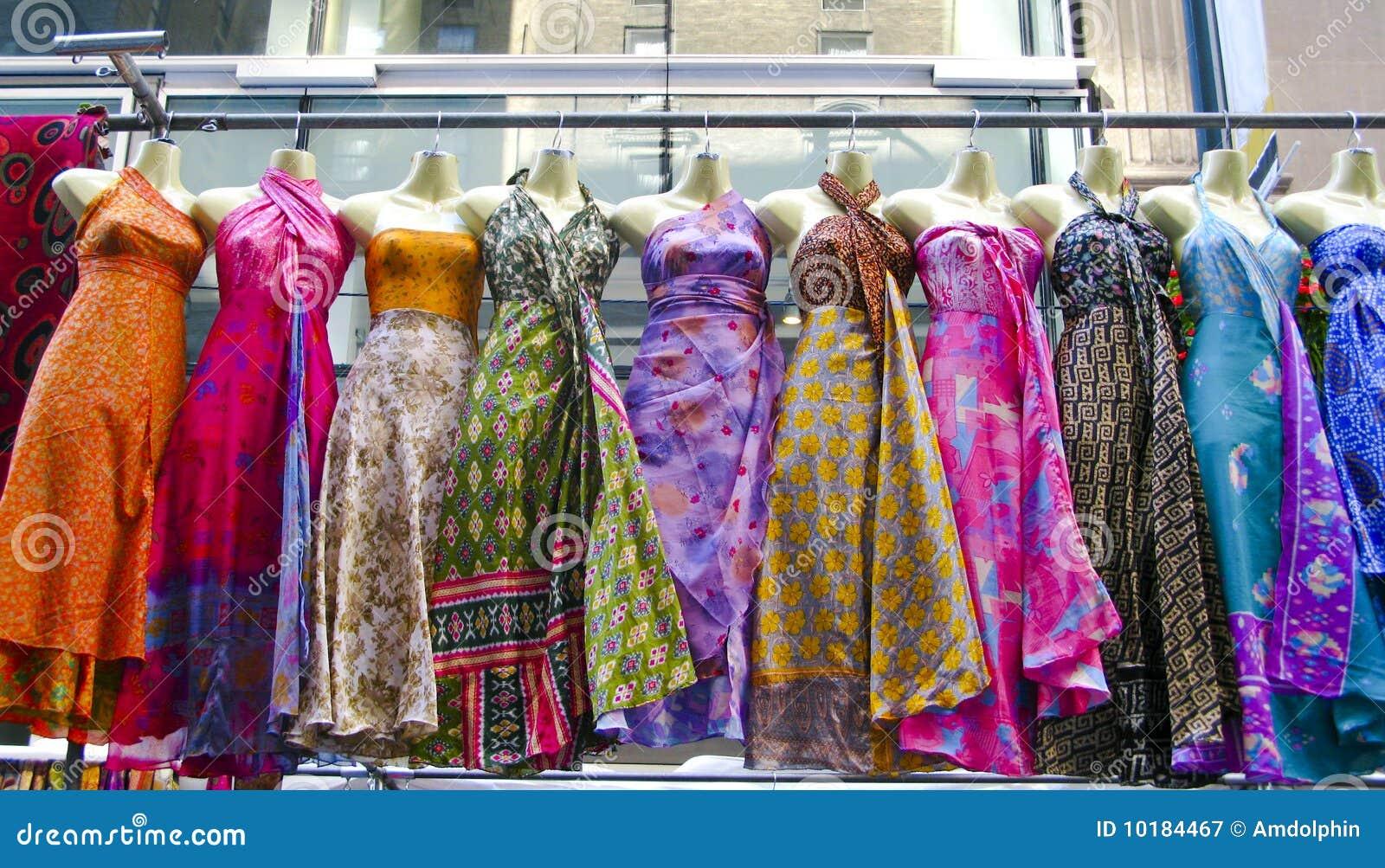 Suknie target2431_1_ rynek kilka