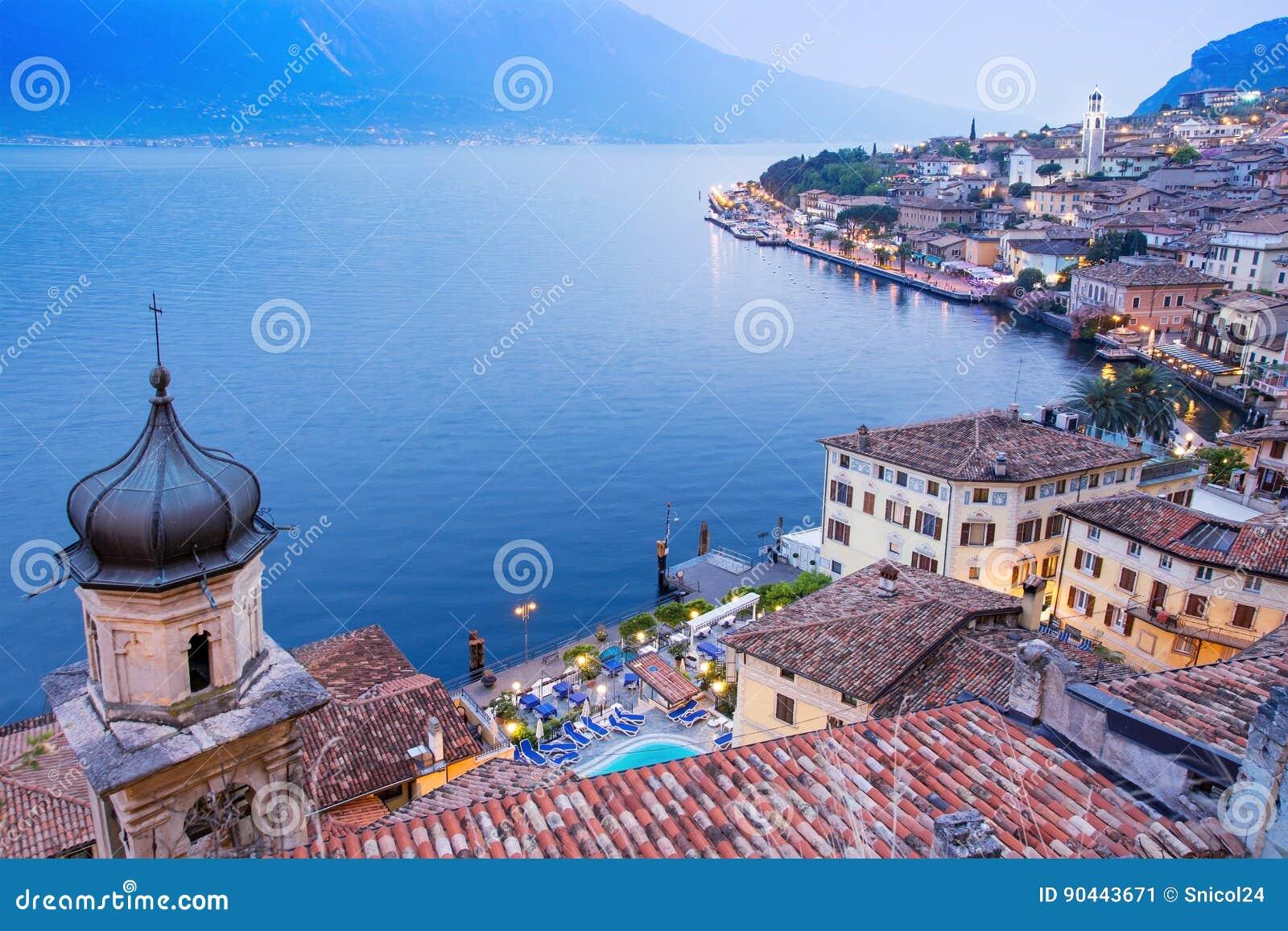 Sul Garda, lago Garda, Italia de Limone