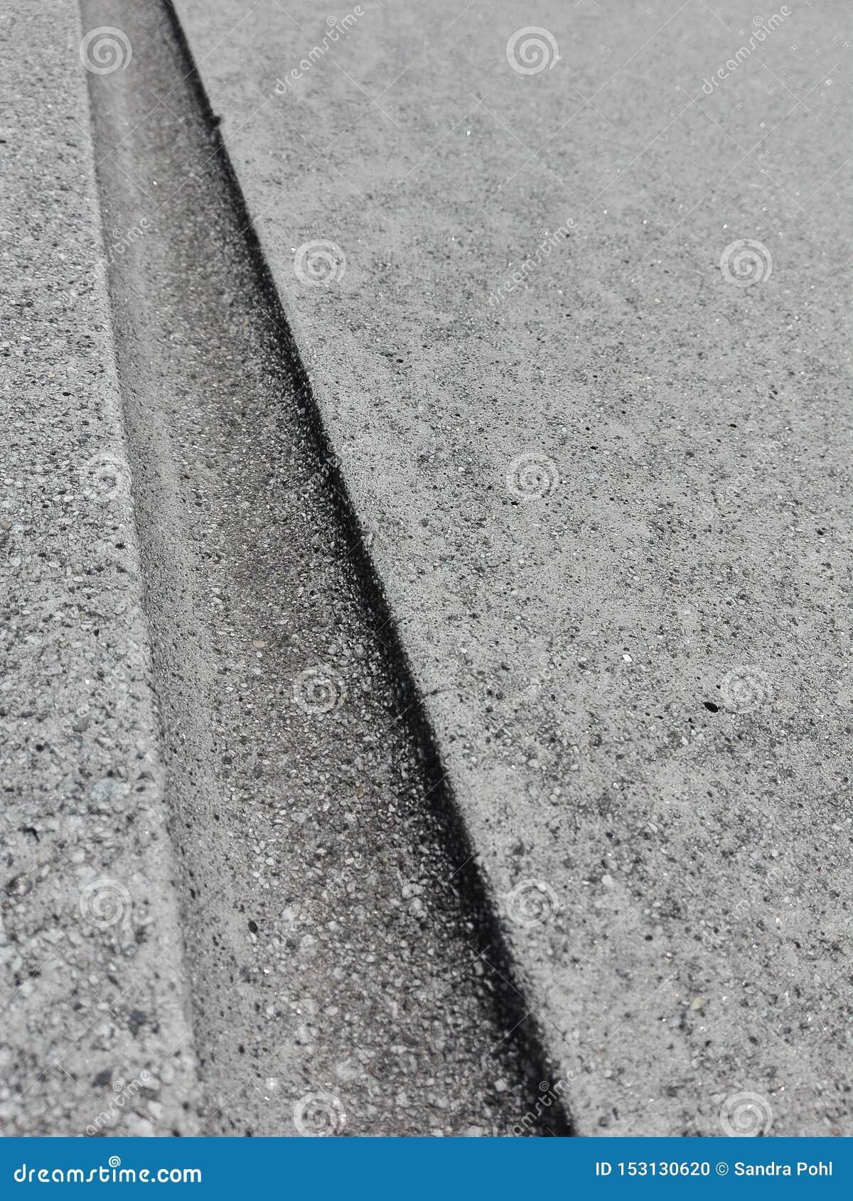 Sulco no fundo concreto