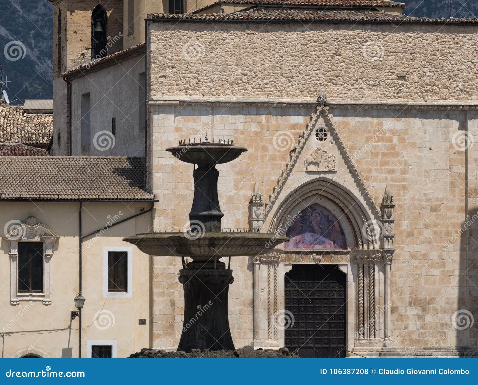 Sulmona Abruzzi, Italië, de kerk van San Filippo Neri