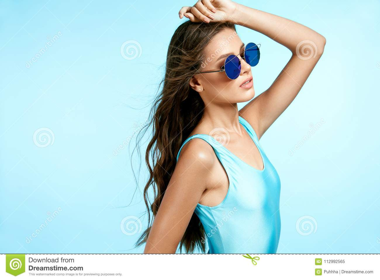 Summer Fashion. Woman In Sunglasses.