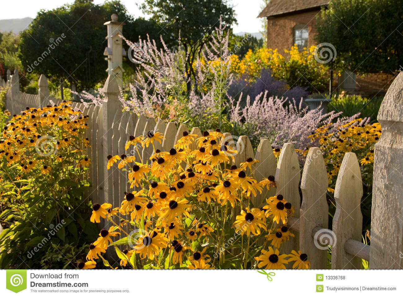 Summer Garden And Country Cottage Stock Photo - Image of summer ...