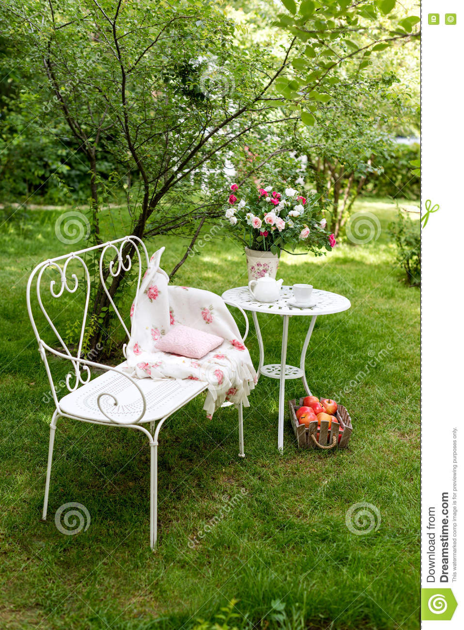royalty free stock photo - Outdoor Decorations For Summer