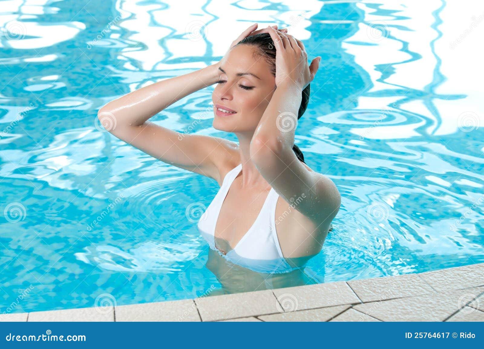 Как правильно плавать в бассейне чтобы похудеть