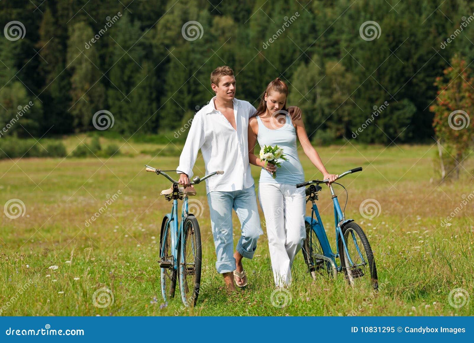 Outdoor Weddings at Meadow Brook
