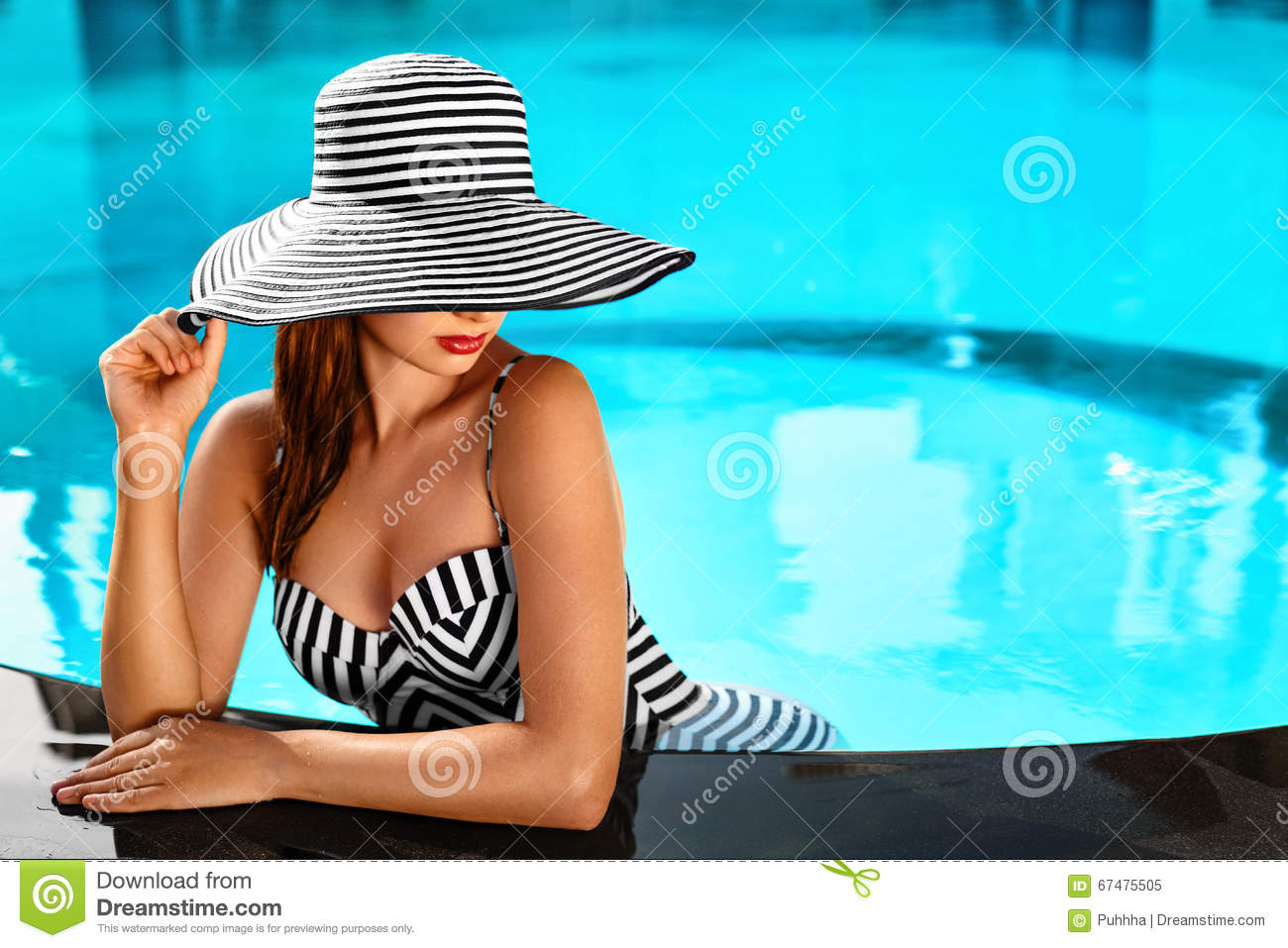 Summer Woman Body Care. Relaxation In Swimming Pool. Holidays Va ...