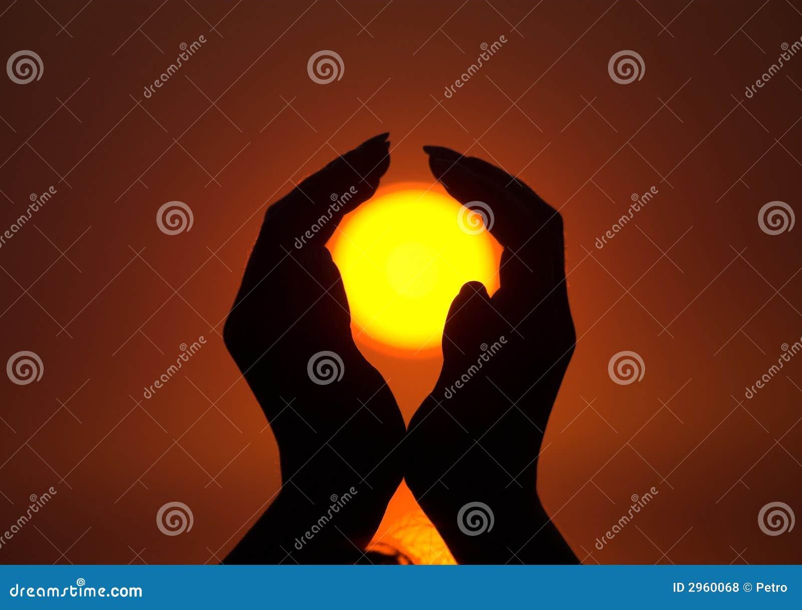 Sun dans des mains