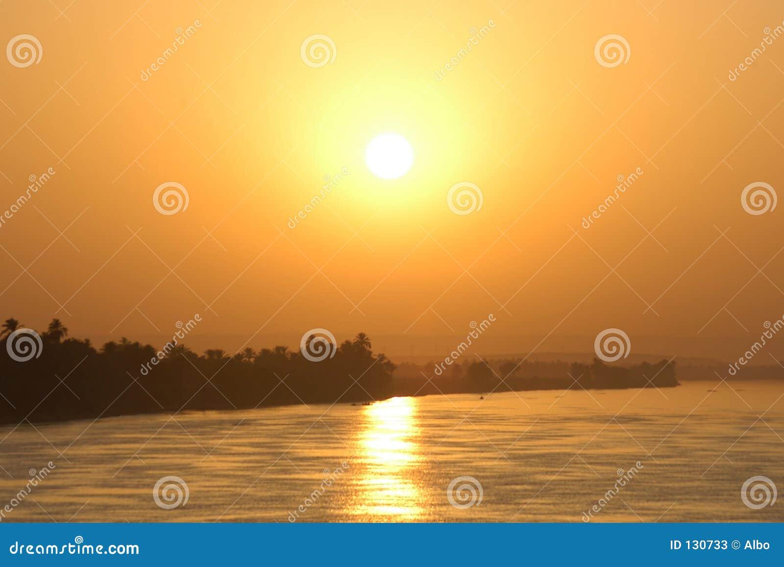 Sun en el Nilo
