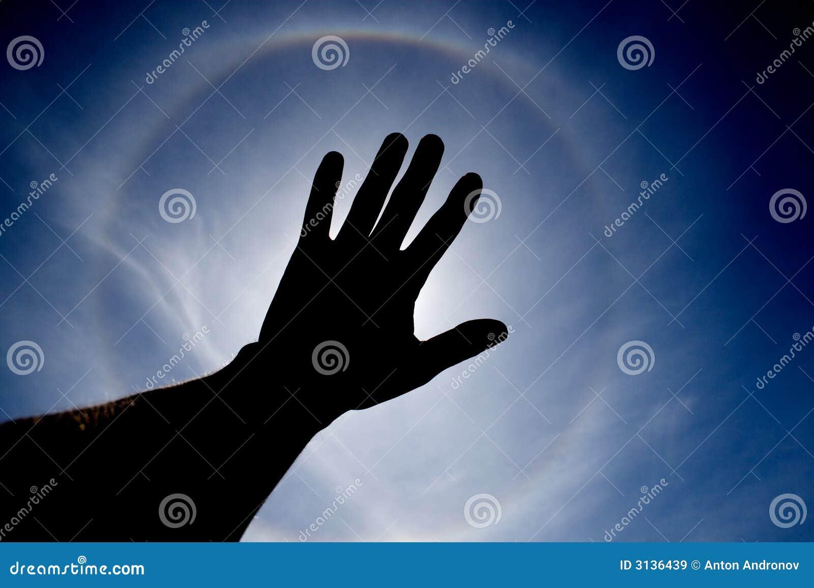 Sun ha coperto a mano