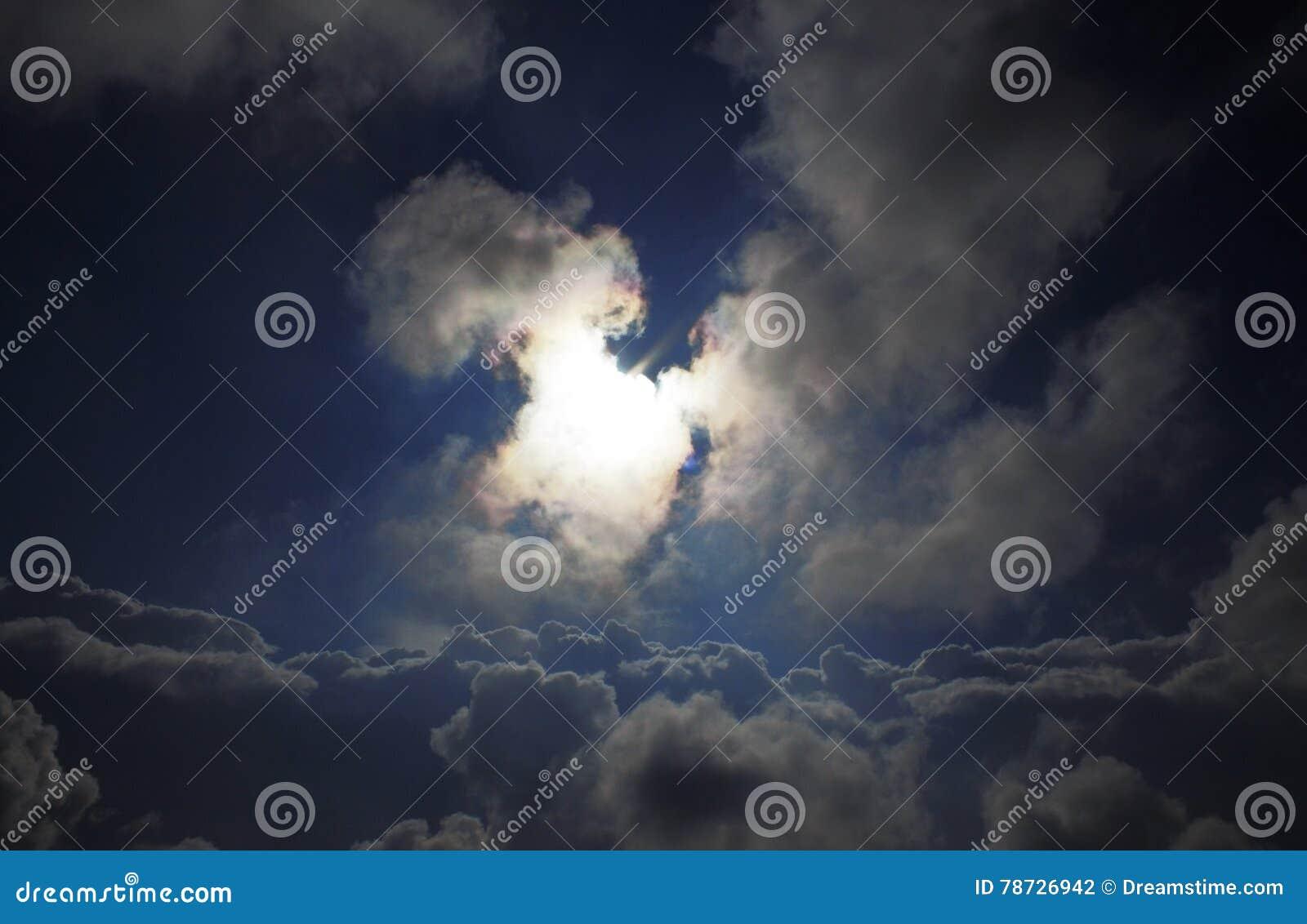 Sun i skyen