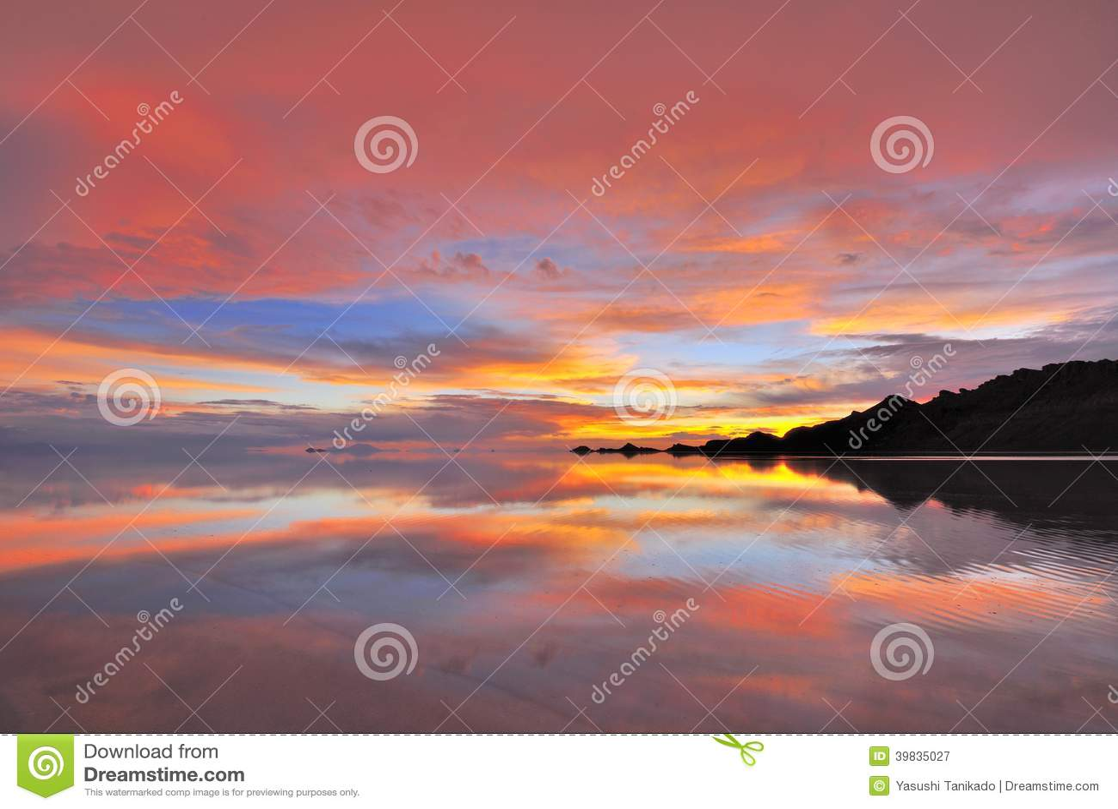 Sun Set Uyuni Salt Flat Stock Image Image Of South Twilight 39835027