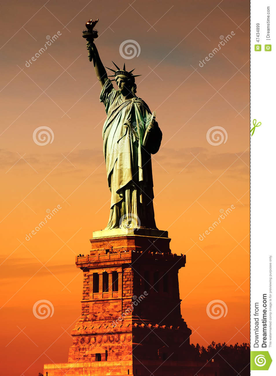 Liberty Near Me >> Sun On Statue Of Liberty Stock Image Image Of Right 47434899