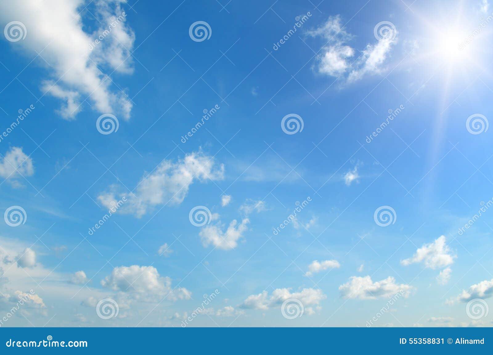 Sun su cielo blu