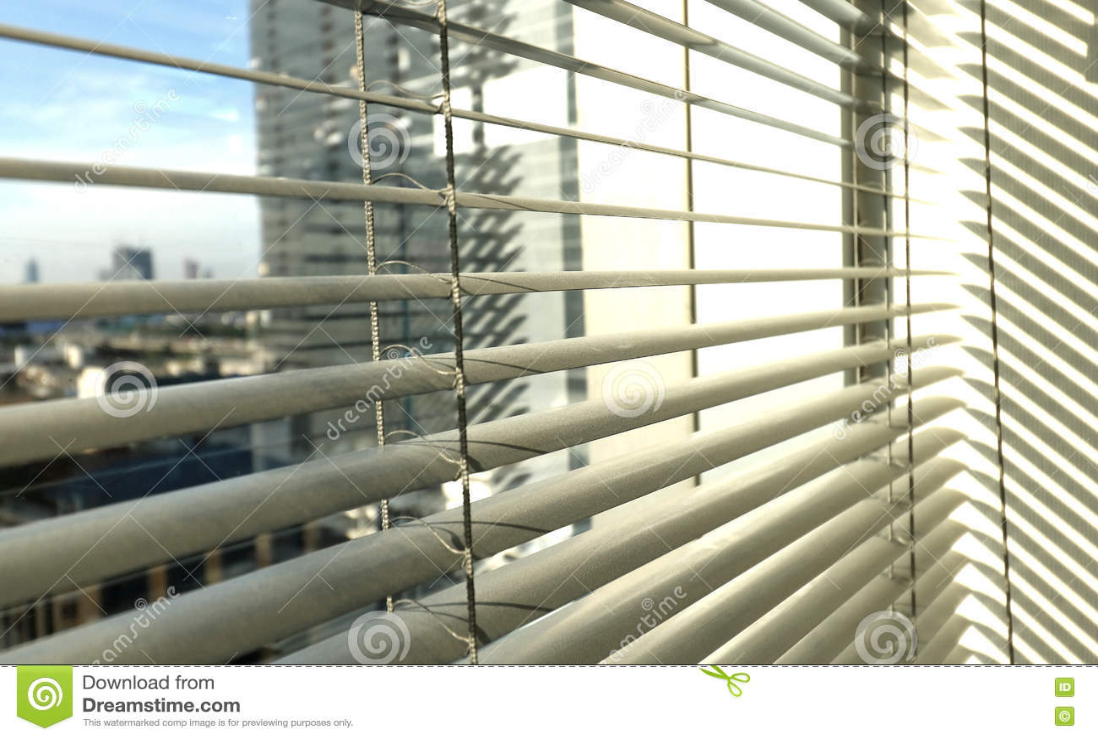 Sunblinds metálicos cinzentos do jalusie da janela