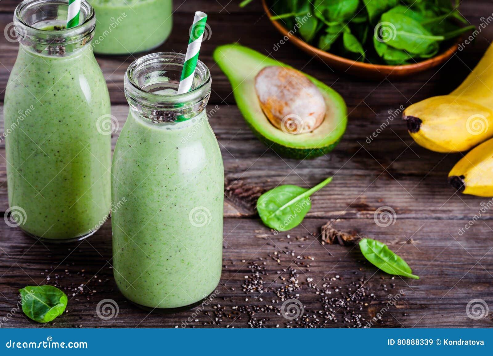 grön smoothie spenat avokado