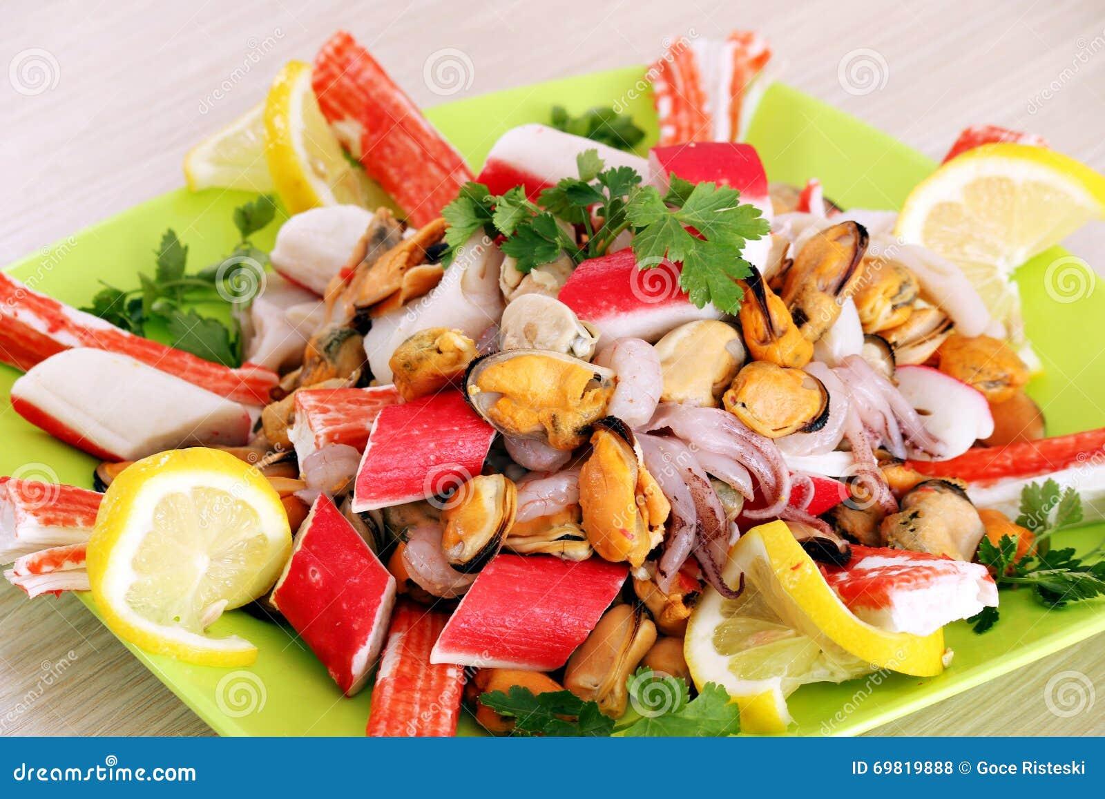 Sund havsmat på plattan
