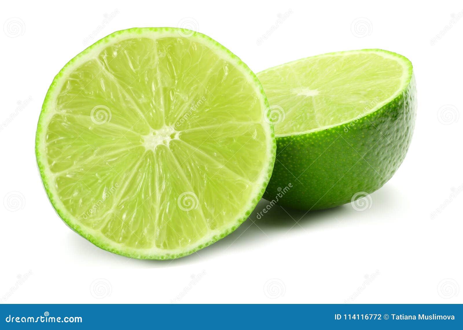 Sund mat skivad limefrukt som isoleras på bästa sikt för vit bakgrund