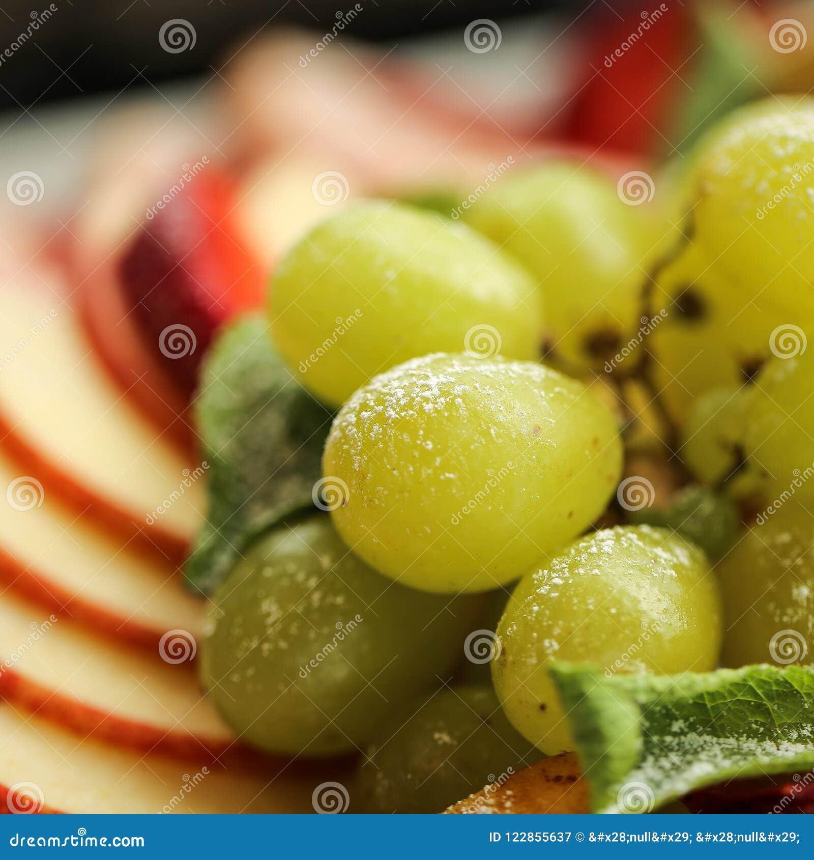 Sund mat Slut upp matbild av blandade frukter Makrofotografi av druvor