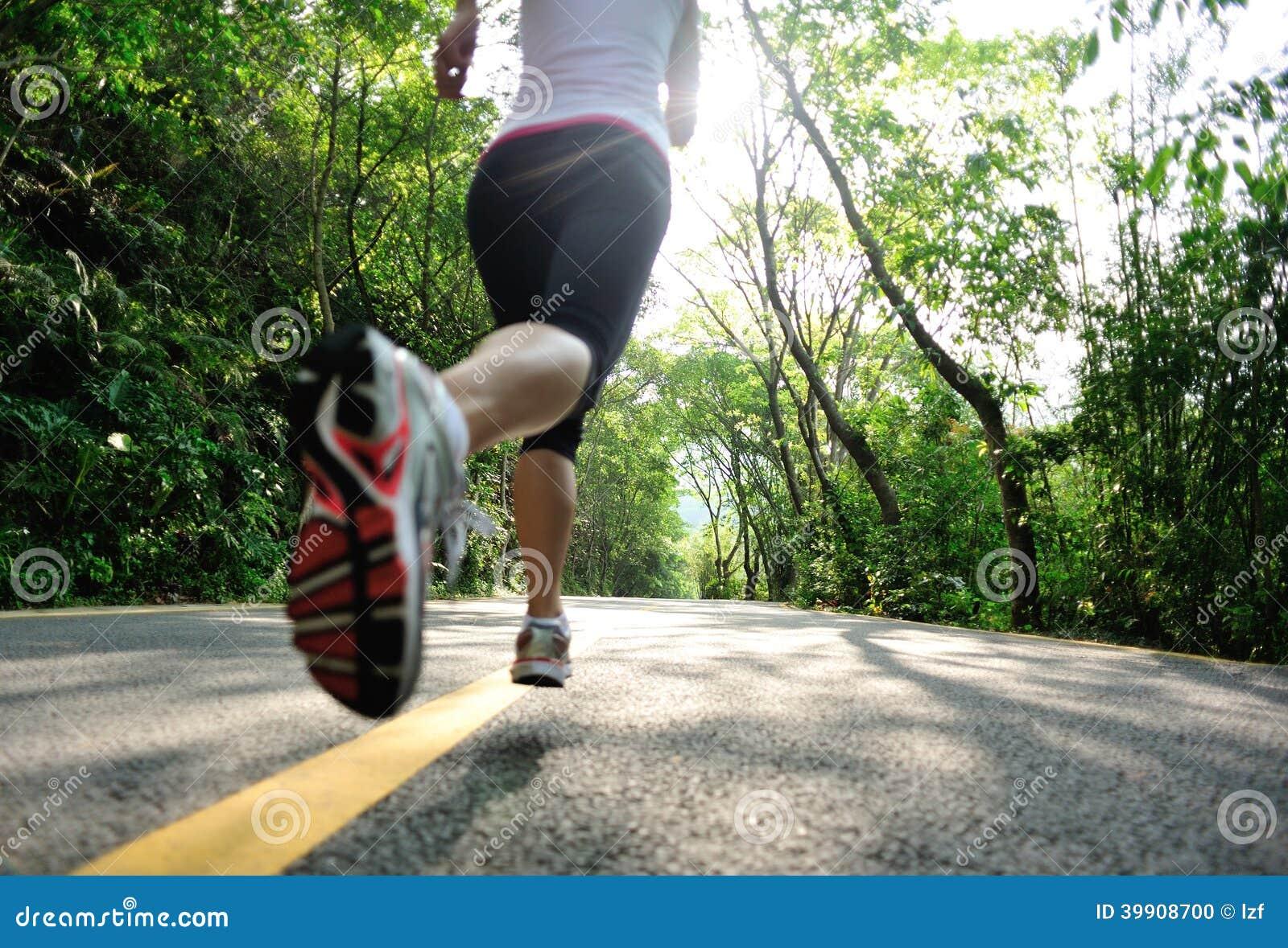 Sund spring för kvinna för livsstilkonditionsportar